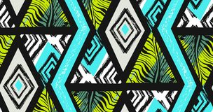 Hand getrokken vector abstracte geweven naadloze tropische patrooncollage uit de vrije hand met gestreept motief, organische text royalty-vrije illustratie