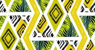 Hand getrokken vector abstracte geweven naadloze tropische patrooncollage uit de vrije hand met gestreept motief, organische text Stock Foto
