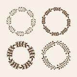 Hand getrokken vectorillustratie - Laurels en kronen Ontwerpelementen voor uitnodigingen, groetkaarten, citaten, bloggen, affiche stock illustratie