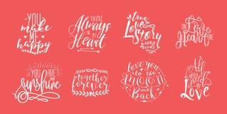 Hand gezeichnete Beschriftung stellte mit romantischen Phrasen über Liebe ein Einfarbige Vektorillustrationssammlung auf rotem Hi Lizenzfreies Stockfoto