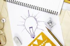 Hand gezeichnete Glühlampe Lizenzfreies Stockbild