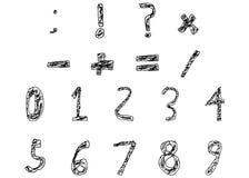 Hand gezeichnete Kinderzahlen und grundlegende Mathe-Zeichen füllten mutiges lizenzfreies stockfoto
