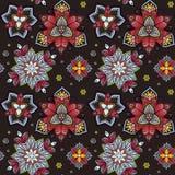 Hand gezeichnete Mandala nahtloses Muster vom Blumengekritzel Rundschreiben farbiges Muster für Dekoration Stockbild