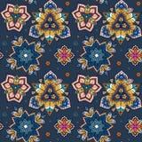 Hand gezeichnete Mandala nahtloses Muster von Blumen Lizenzfreie Stockfotos
