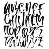 Hand gezeichnete moderne trocknen Bürstenbeschriftung Schmutzartalphabet Handgeschriebener Guss Auch im corel abgehobenen Betrag Stockfoto