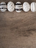 Hand gezeichnete Ostereier - Jahreszeithintergrund Stockbild