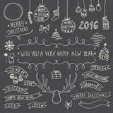 Hand gezeichnete Weihnachtenornamentalsymbole Stockbild