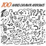 100 Hand gezeichneter Pfeilsatz gemacht im Vektor Stockfotografie