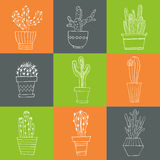 Hand gezeichneter Satz des Kaktus in den Töpfen Lizenzfreies Stockfoto