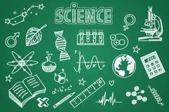 Hand gezeichneter Wissenschaftssatz Kreide auf der Tafel Stockfotos