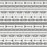 Hand gezeichnetes geometrisches ethnisches nahtloses Muster Stockbilder