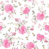 Hand gezeichnetes nahtloses Muster mit rosafarbenen Blumen des Aquarells Stockbilder