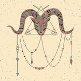 Hand gezeichnetes RAM mit Muster in boho, Inder- oder Medizinmannarten Vektorkunstplakat Stockfotos