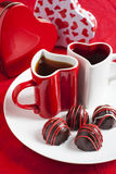 Hand - gjord chokladtryffel för Valentine Day Royaltyfri Foto