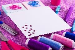 Hand - gjord uppsättning i blått, rosa färger, lilasignaler Royaltyfria Bilder