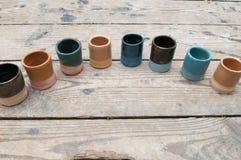 Hand - gjorda keramiska krukmakeriprodukter Royaltyfria Bilder