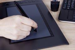 Hand grafische ontwerper Stock Fotografie