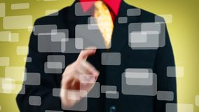 Hand het drukken één van vele virtuele knopen, gele achtergrond stock videobeelden