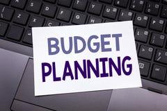 Hand het schrijven de inspiratie die van de teksttitel Begroting Planning tonen Bedrijfsconcept voor het Financiële In de begroti Royalty-vrije Stock Afbeeldingen