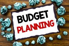 Hand het schrijven de inspiratie die van de teksttitel Begroting Planning tonen Bedrijfsconcept voor het Financiële In de begroti Stock Afbeelding
