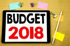 Hand het schrijven de inspiratie die van de teksttitel Begroting 2018 tonen Bedrijfsconcept voor Huishouden die boekhouding gesch Royalty-vrije Stock Afbeeldingen
