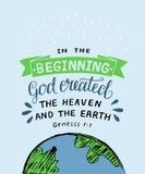 Hand het van letters voorzien met de God van het bijbelvers leidde in het begin tot de hemel en de aarde ontstaan royalty-vrije illustratie