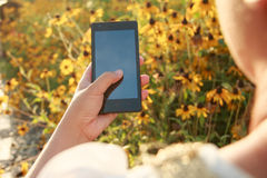 Free Hand Holding Smart Phone Stock Photography - 57600842
