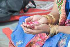 Hand Of Indian Bride Mother She Is Perfoming A Her Douters Weddings Retuals Royalty Free Stock Image