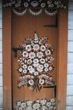 Hand-m?lade hus med blom- motiv, royaltyfri foto