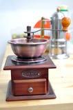 Hand-malende koffiemachine Royalty-vrije Stock Fotografie