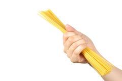 Hand med pasta Royaltyfri Foto