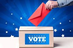 Hand med sluten omröstning och träasken Royaltyfri Bild
