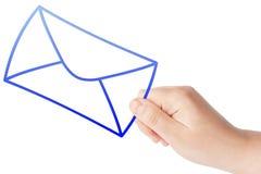 Hand met de envelop Stock Fotografie