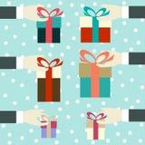 Hand met een gift Stock Foto's