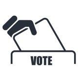 Hand mit Abstimmungsbulletinikone Stockfotografie