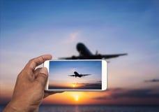 Hand mit intelligenter Telefonschießenphotographie Stockfoto