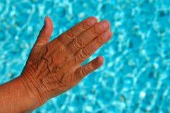 Hand mit Knicken lizenzfreies stockfoto