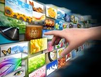 Hand op het Album van de Foto van de Technologie van Media Stock Foto