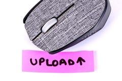 Hand schriftliche Antriebskraft mit einer Computermaus stockfotos