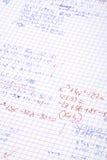 Hand schriftliche Matheberechnungen Lizenzfreie Stockbilder