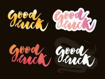 Hand skizzierte gutes Glück-T-Shirt Beschriftungstypographie Gezogenes inspirierend Zitat, Motivzitat Vermögensfirmenzeichen, Aus stock abbildung