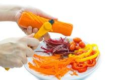 Hand som förbereder grönsaken Royaltyfri Fotografi