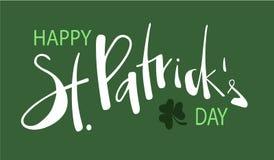 Hand som märker dagen för texthälsningSt som Patricks komponeras på grön bakgrund stock illustrationer