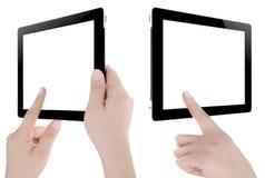Hand som rymmer den Digital minnestavlan Royaltyfri Foto