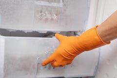Hand und Kühlraum. Lizenzfreies Stockfoto