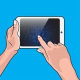 Hand und weißer Tablet-PC Lizenzfreie Stockbilder