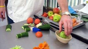 Hand van een chef-kok op het werk Royalty-vrije Stock Foto's