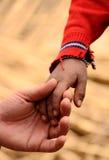 Hand van vader en zoon Royalty-vrije Stock Afbeeldingen