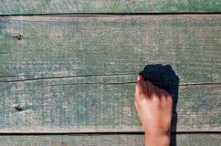 Hand, Zahlen und Holz Lizenzfreie Stockfotos