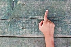 Hand, Zahlen und Holz Lizenzfreie Stockbilder